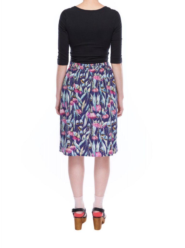 pleat_skirt_gum_flower_back