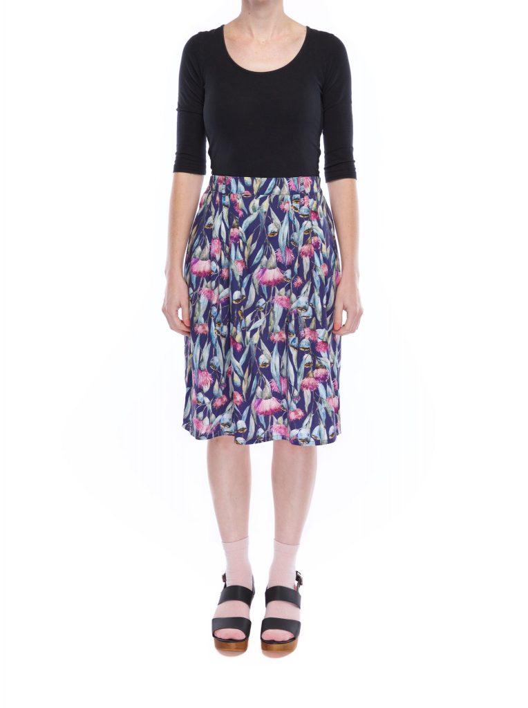 pleat_skirt_gum_flower_front